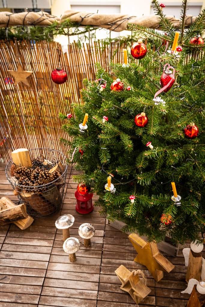 Naturliche Weihnachtsdeko Fur Den Balkon Garten Fraulein Der