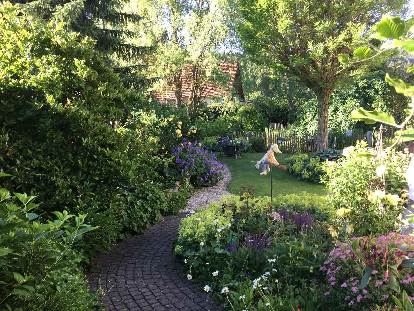 traumgarten ein hessisches kleinod garten fr ulein der garten blog. Black Bedroom Furniture Sets. Home Design Ideas