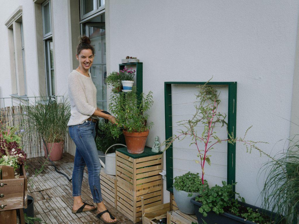 Balkonpflanzen gießen